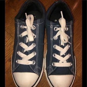 Navy converse youth size 3